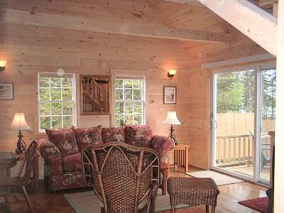 living room.Gray Homestead cottage rental in Maine near Boothbay Harbor
